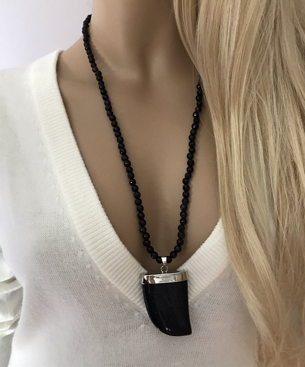 Halsband blå guldstenar med hänge
