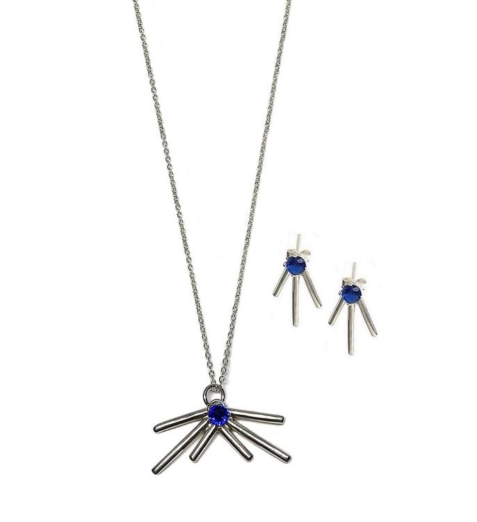 Smyckeset halsband och örhängen äkta silver