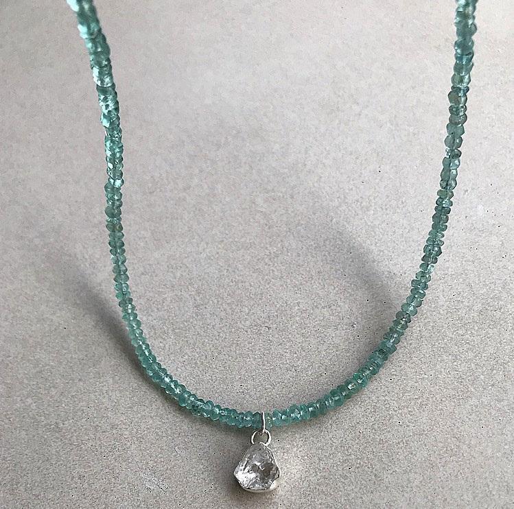 Apatit halsband äkta silver