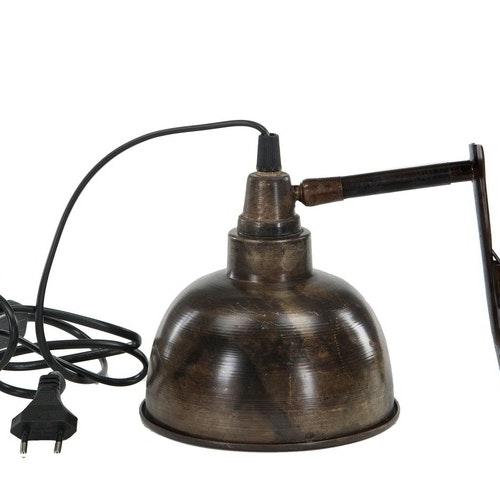 Lampa i antikfärg