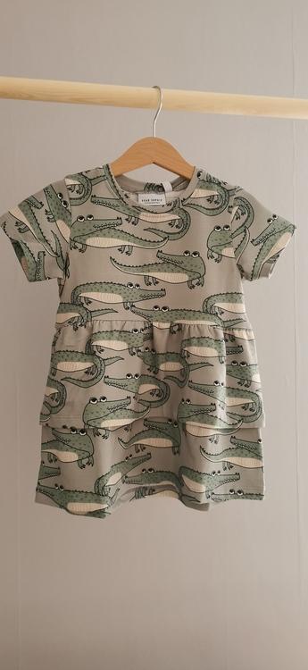 Dear Sophie klänning med krokodil