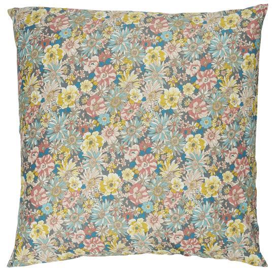 Blommigt kuddfodral med lila toner