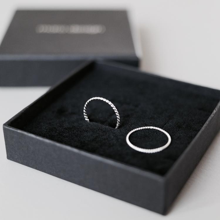 "Ring ""Twist"""