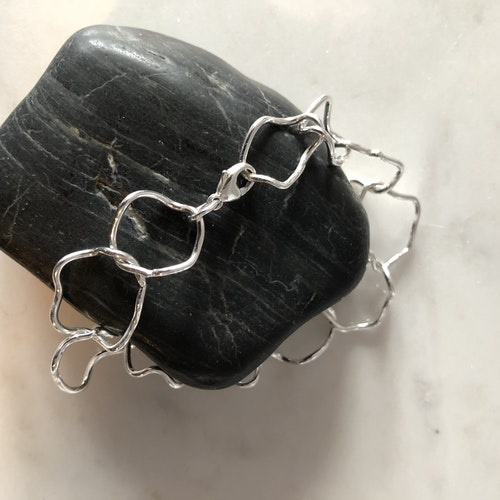 Heartbeat armband