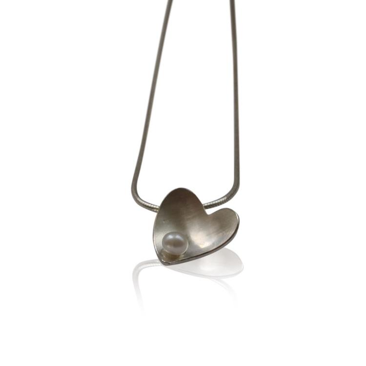 Free Heart Classic halsband