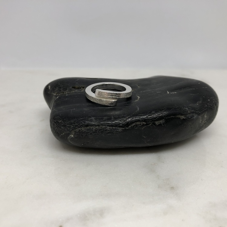 Street  ring