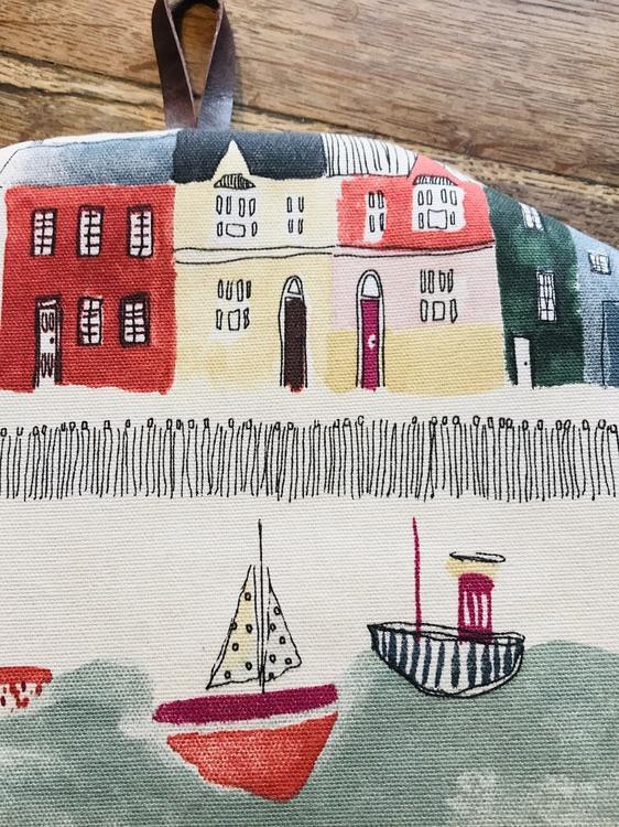 Farmhouse Life Tea Cosy Boats / Te huven Båtar