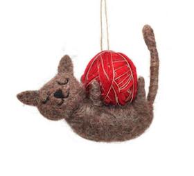 Cat with wool Christmas tree decoration / Katt med garn Julgrans pynt