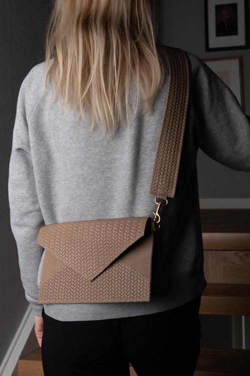 New Shoulder Bag - Wide shoulder strap