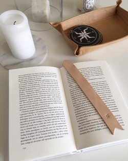Leather Bookmark  - Bokmärke i läder