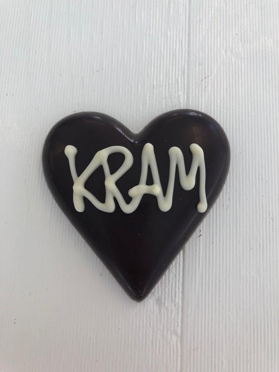 """Hjärta av mörk choklad """"KRAM"""""""