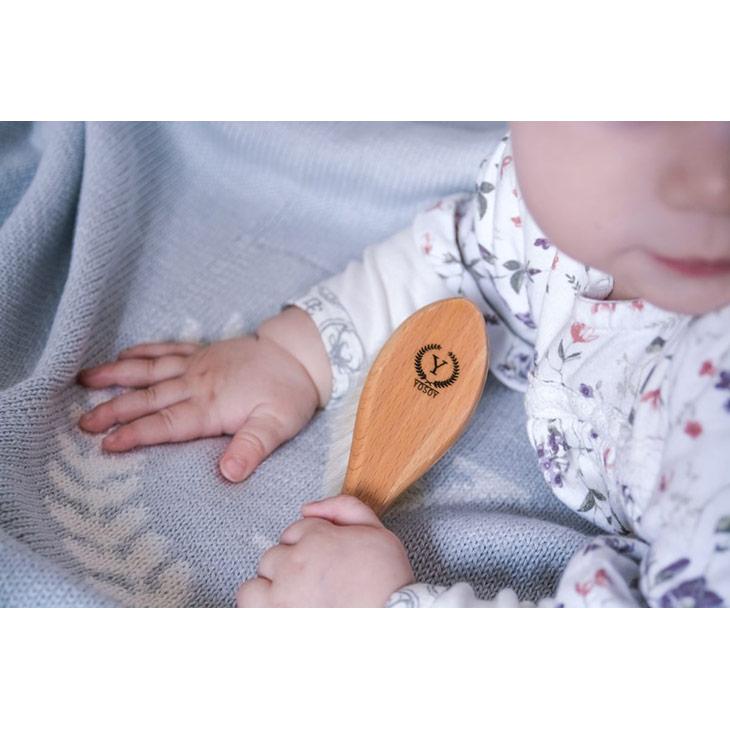 Yosoy babyborste med naturlig borststrån