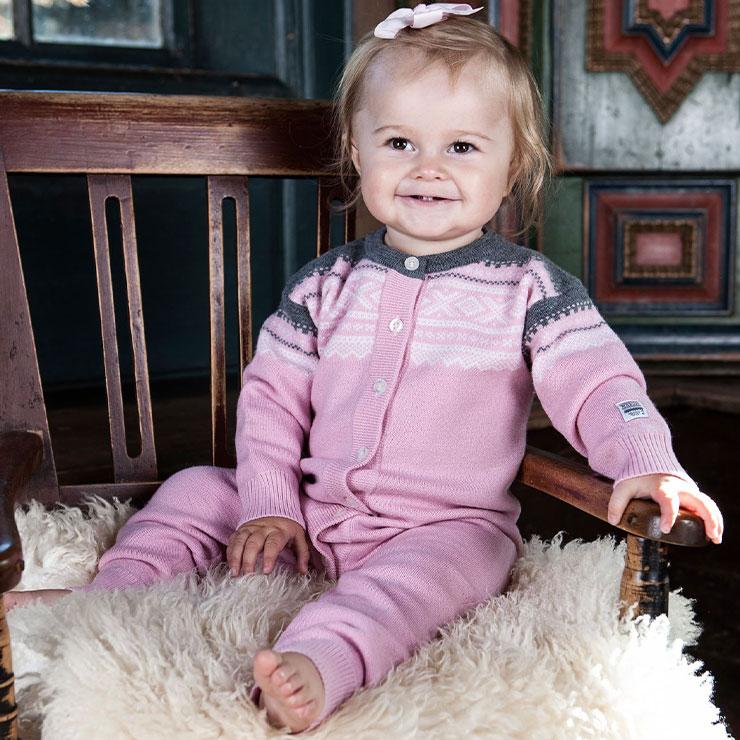 Marius Kids Overall i merinoull, Lotus Pink - Elliotti.se
