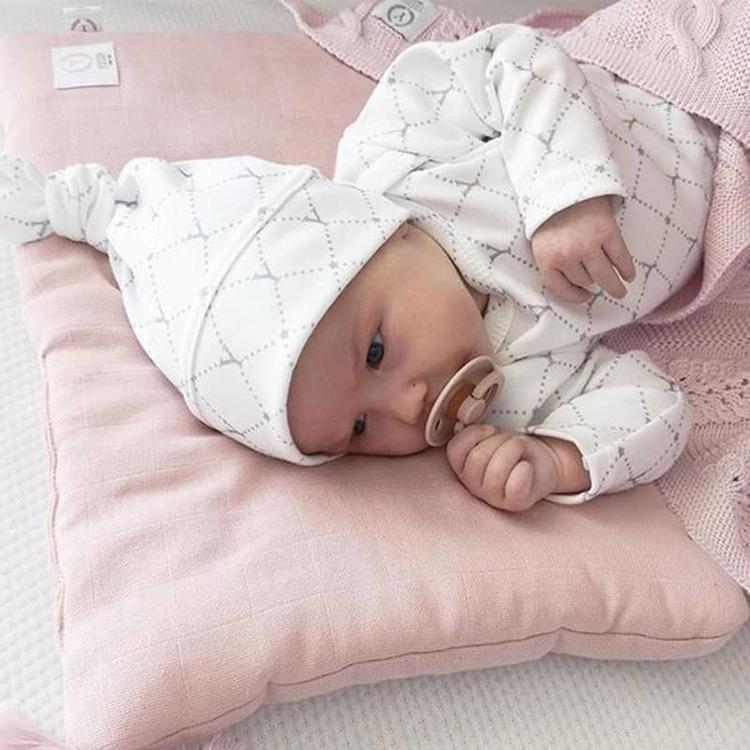 Yosoy BB-mössa till nyfödd, Stars - Elliotti.se