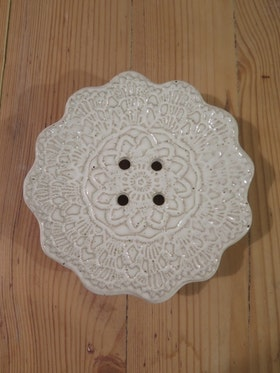 Tvålfat vit blomma