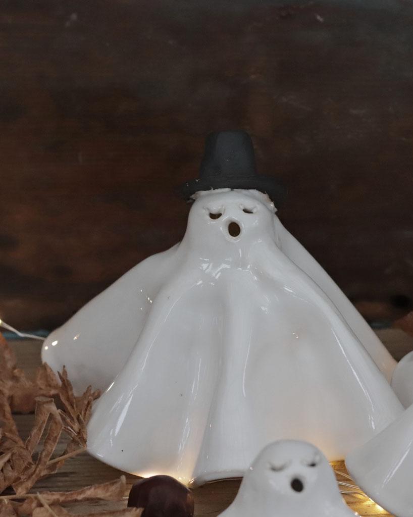 Spöken, ett par med en stor och en liten
