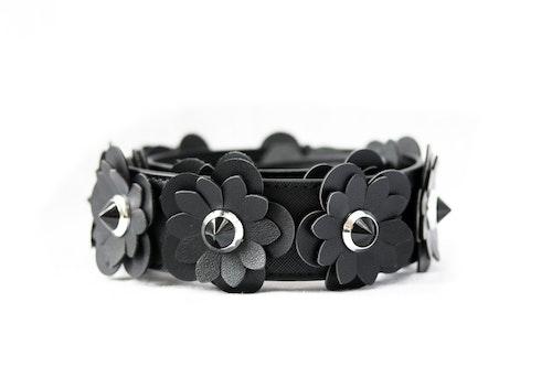 Blossom Black Bagstrap