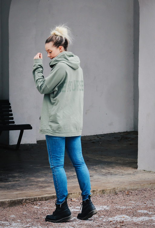 "Oversized Hoodie ""Be Yourself"" - Olive"