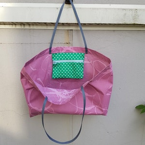 Beach bag / shopping bag - rosa med grön ficka med hjärtan