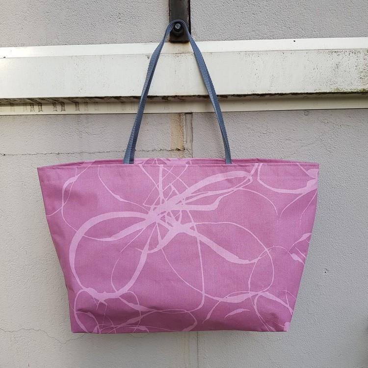 Beach bag / shopping bag - rosa med grön ficka med hjärtan