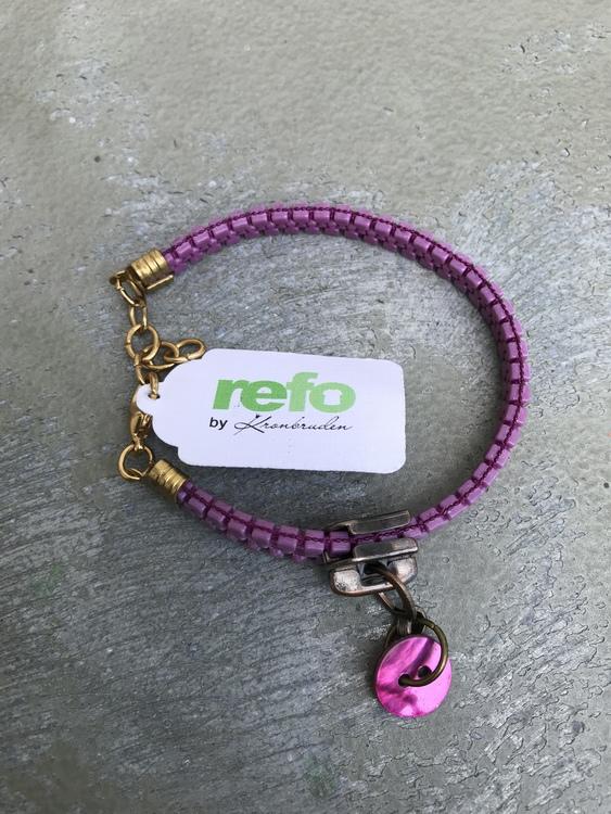 Armband av återvunnet lila blixtlås