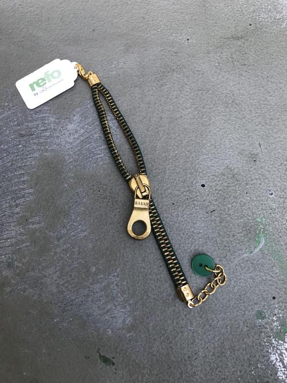 Armband av återvunnet blixtlås, grönt och guld