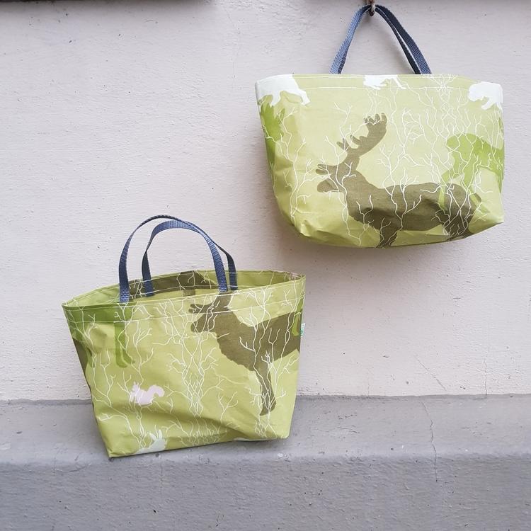 Matlådeväska/ lunch bag (större) - Grön med skogstema