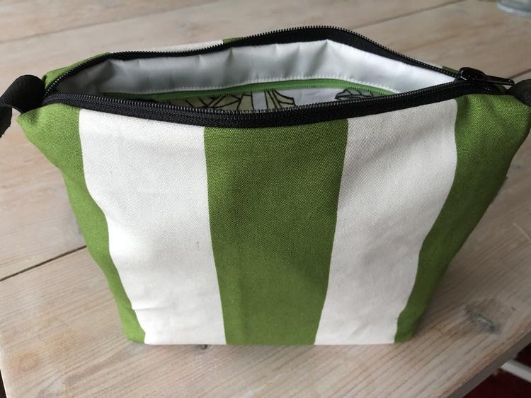 Necessär/Toilet bag - Grön och vit randig