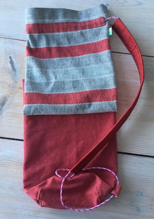 Yogamatta Fodral i rött och grått