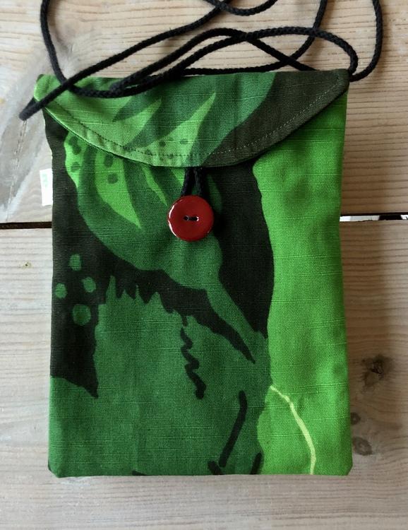 Liten väska av återvunnet tyg - grön karamell