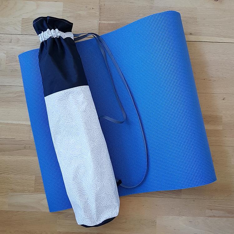 Yogamatta fodral - svart & ljust mönstrad