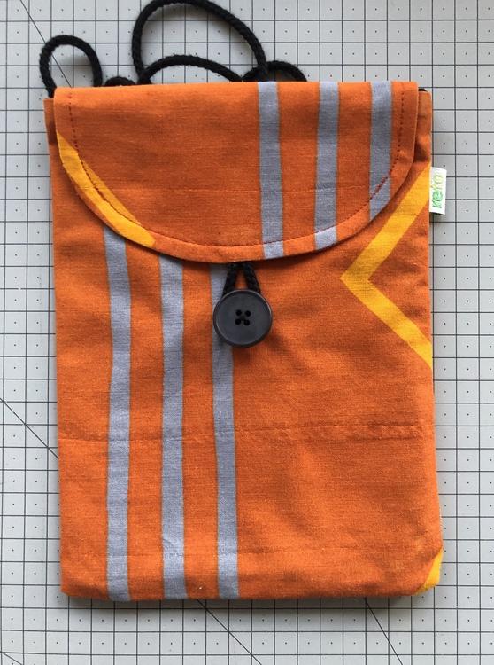 Karamell - liten väska av återvunnet tyg - orange  geometri