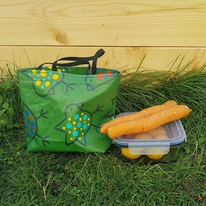 Matlådeväska/ Lunch Bag  - grön med fåglar (mindre)