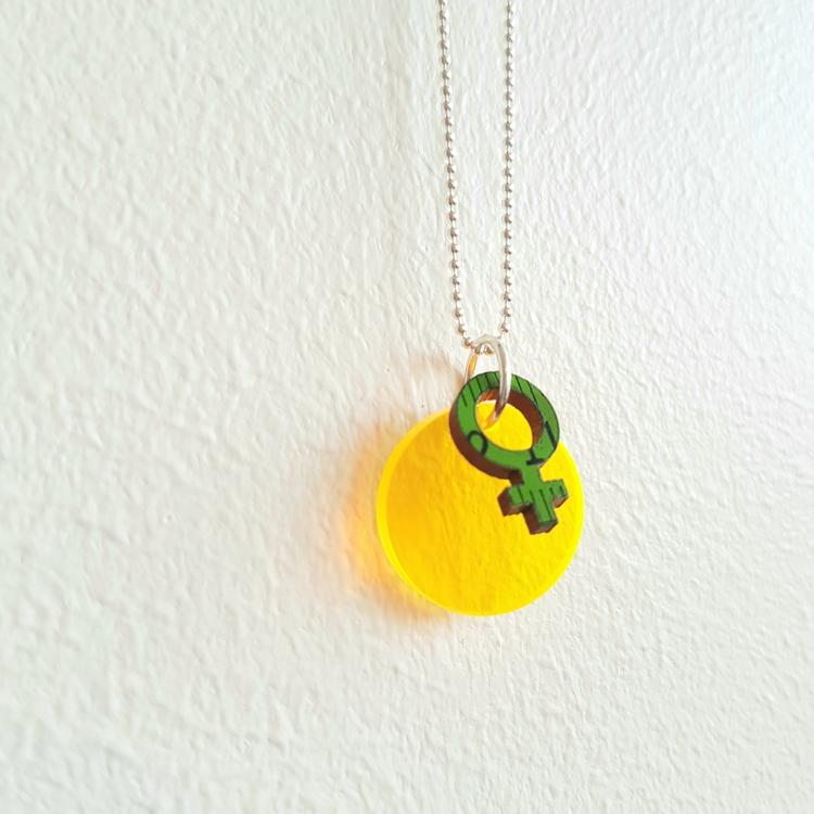 Halsband Cirkus - lysande transparent gul + feminist