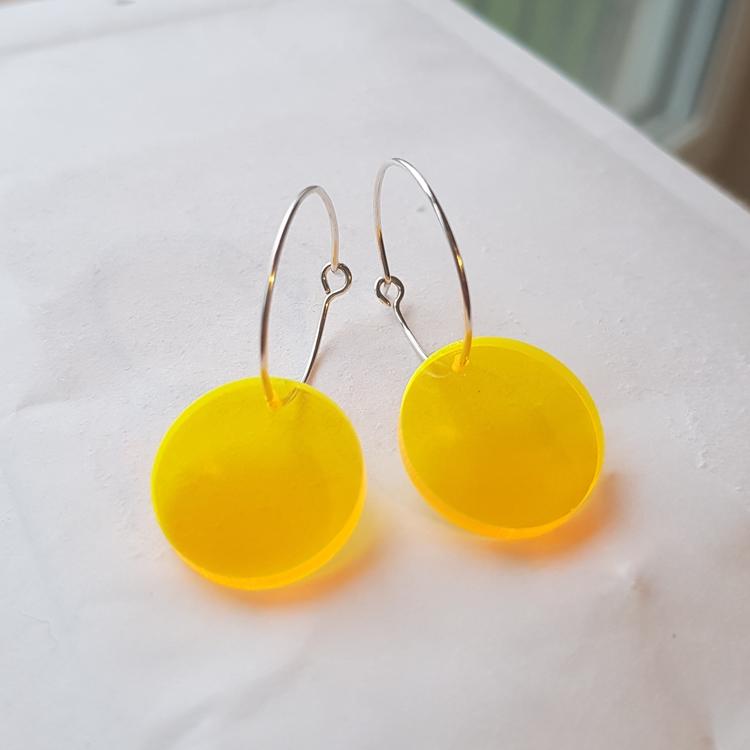 Örhängen Cirkus - lysande transparent gul (mindre)