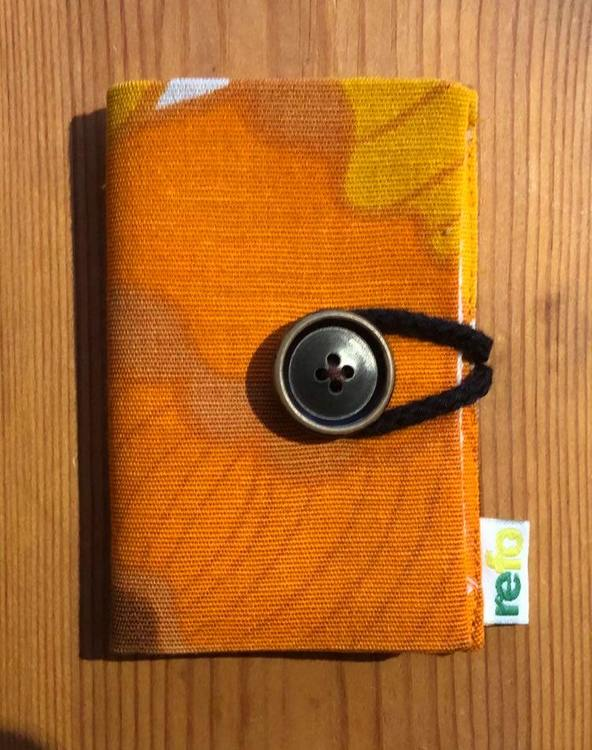 Nålbok /Needle case - orangemönstrad