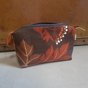 Necessär / Toilet bag - Brun, växtmönstrad