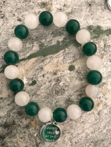 Grönvitt Agater med berlock