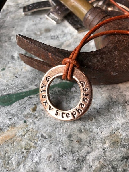 Stansad Ring - Halsband med egen text