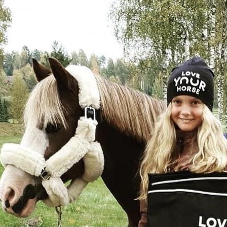 Mössa Loveyourhorse