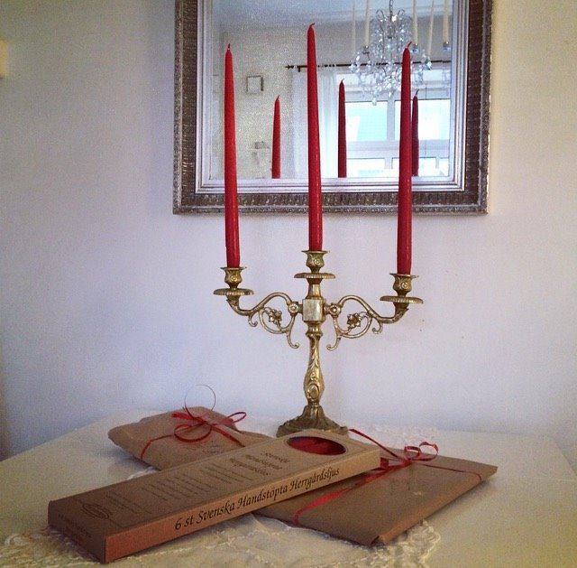 Herrgårdsljus handstöpta röda 30 cm