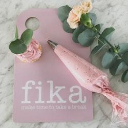 Skärbräda Fika rosa-Mellow Design