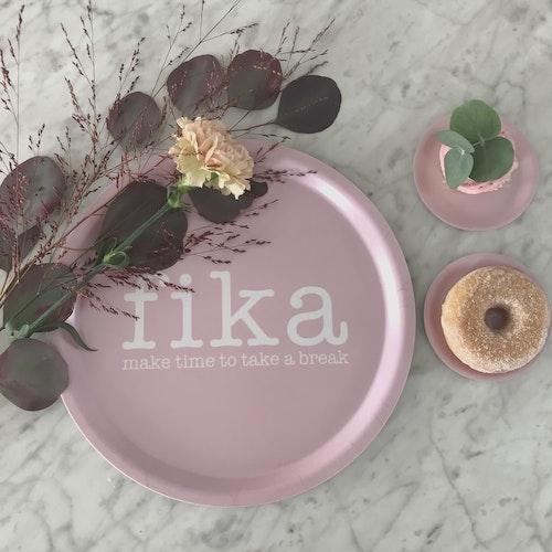 Bricka rund Fika rosa-Mellow Design
