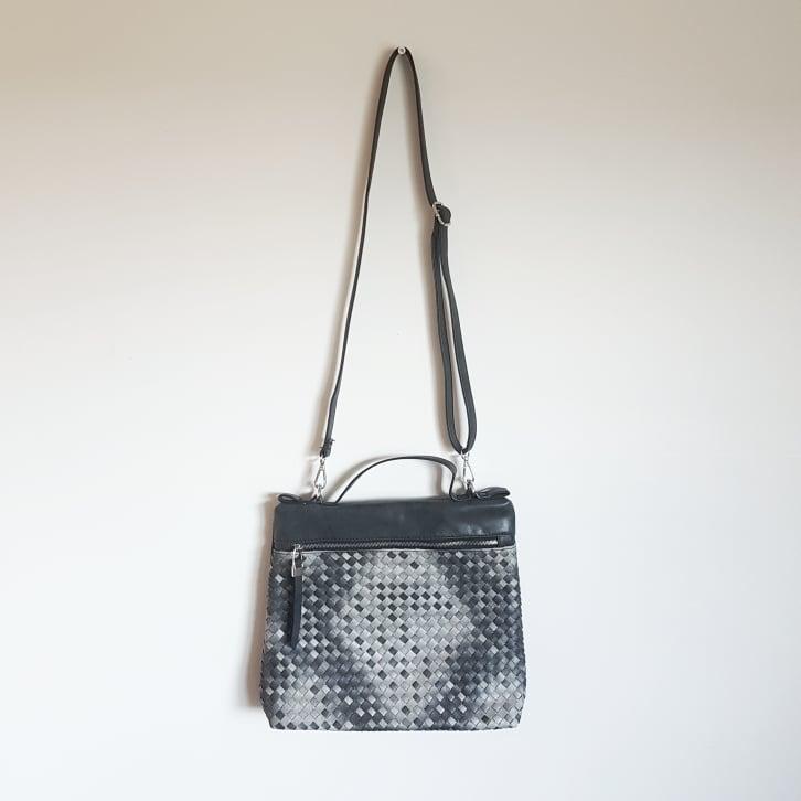 Väska grå flätad-CAT