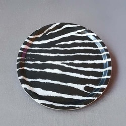 Bricka rund 31 zebra- MELLOW DESIGN