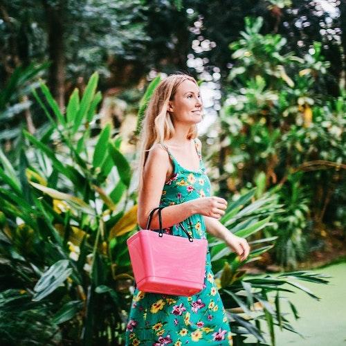 Hinza väska liten tropikrosa -green plastic