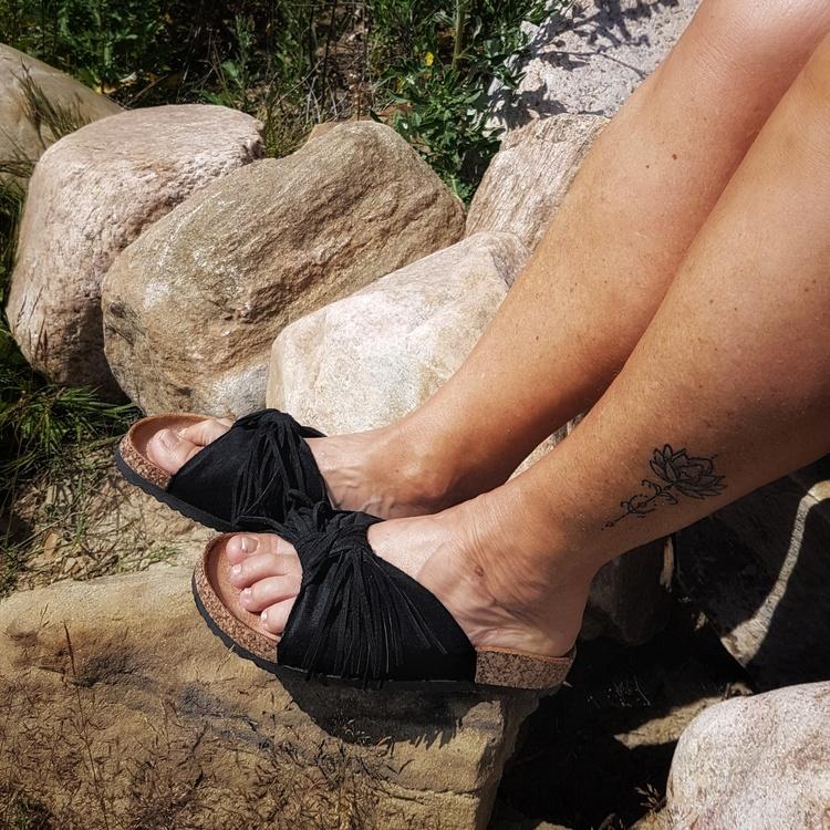 Sandal svart med fransar