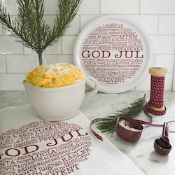 Bricka-rund-god-jultext-vit-mellow-design