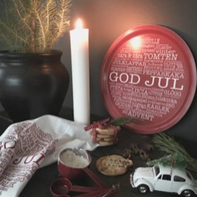 Bricka rund God Jultext röd-Mellow Design