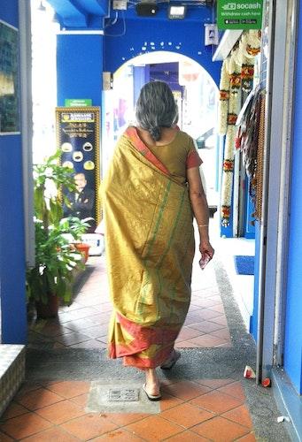 Print Kvinna på väg